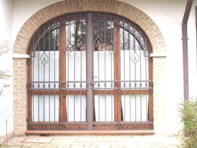 Porte e Portoncini in ferro battuto ed acciaio inox - R2 Officina ...